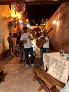 Kubanische Band im Restaurant in Trinidad