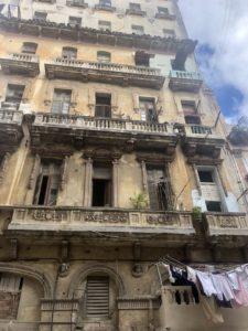 Alte Gebäudefassade in Havanna