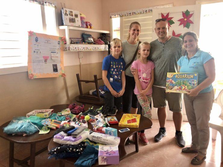 Spendenübergabe bei der Kubahilfe