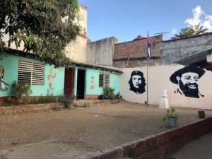 Schulhof in Trinidad